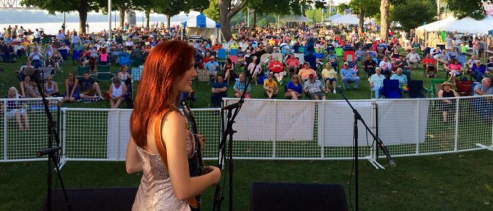 The-crowd-at-Bluegrass-in-the-Park-in-Henderson-KY