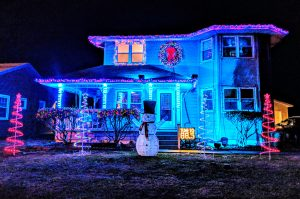Awesome Christmas light show display on a Henderson home. Tune into 88.5 FM to hear the music to the show!
